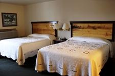2-queen-beds-1st-floor-rear